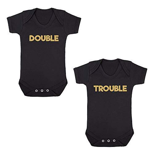 Double/Trouble (Double Trouble) Doppelpack – Baby-Bodys – süßer lustiger Spruch – Schwarz Rosa Blau Gr. 0-3 Monate, Schwarz/Gold Print