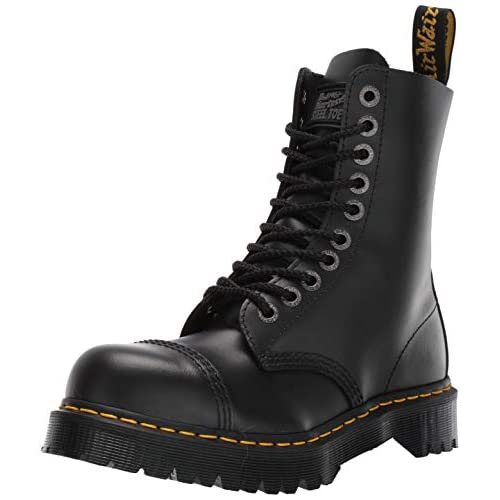 Dr. Martens 8761 Boot