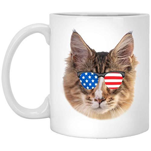 N\A Divertido Gato de Maine Coon Tabby Dorado marrón con Bandera Americana Gafas de Sol Taza de café Blanca 11 oz