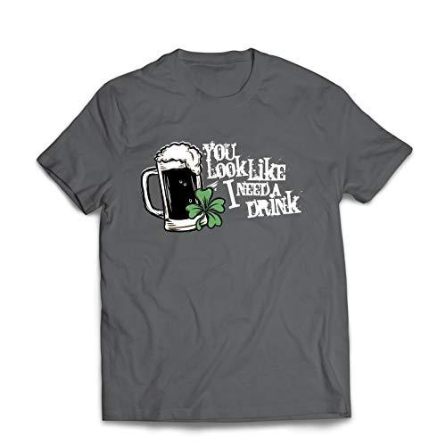 lepni.me Camisetas Hombre Pareces Que Necesito una Bebida, los Refranes del día de San Patricio (Medium Grafito Multicolor)