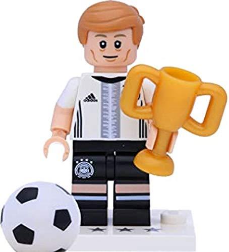 LEGO 71014 DFB - Figura de la Selección Alemana de Alemania (número 18 Toni Kroos con trofa)