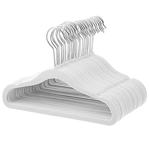 ManGotree Perchas de Terciopelo para Ropa de bebé, Perchas con Gancho Giratorio, diseño de Hombros con Muescas para niños y niños (30 Unidades,Blanco)