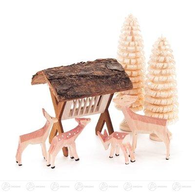 Miniatur Rehe geschnitzt, mit Futterraufe und Bäumchen – 7-teilig - Höhe ca. 9 cm - Erzgebirge – Weihnachtsfiguren – Holzfiguren – Tierfiguren - NEU