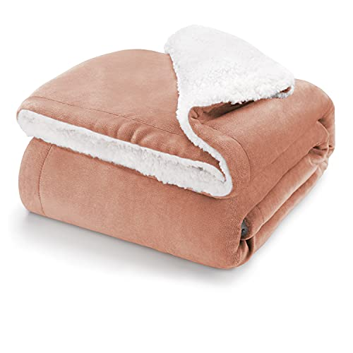 Blumtal Flauschige Sherpa Kuscheldecke – hochwertige Wohndecke, super weiche Fleecedecke als Sofaüberwurf, Tagesdecke oder Wohnzimmerdecke, 150 x 200 cm, Dusty pink - rosa
