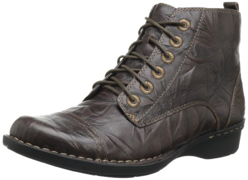 Hot Sale Clarks Women's Whistle Ballad Boot,Brown Leather,9.5 M US