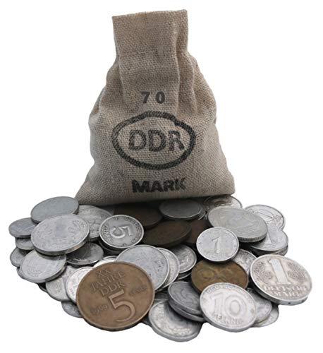 WallaBundu Ostalgie Geschenkidee – 70 gesparte DDR Mark im Jute Sack zum 70. Geburtstag – Ein symbolisch wertvolles Geschenk mit mindestens 11 verschiedenen Münzen und Taschenkalender 1951. Nostalgie…