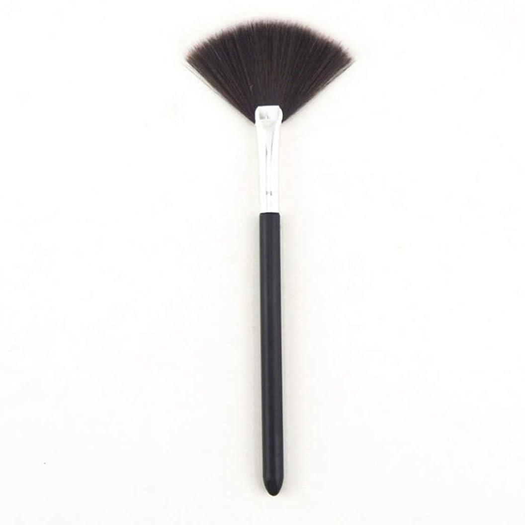 無謀爆弾唇MXLTIANDAO 化粧ブラシ メイクブラシ コスメ 化粧筆 粉含み力抜群 ふわっふわ (Color : Black, UnitCount : 1PCS)