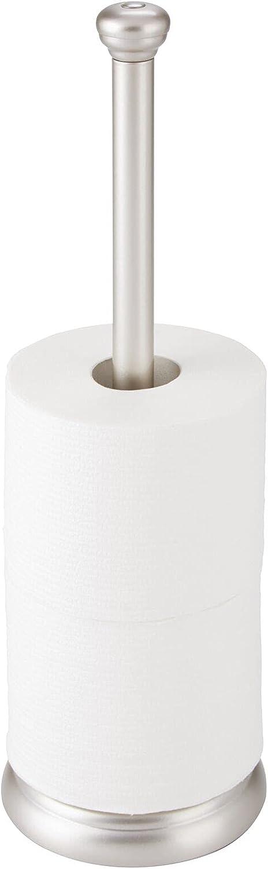 mDesign Portarrollos de pie – Clásico soporte para papel higiénico para baños – Dispensador de papel higiénico para 3 rollos de papel de reserva – plateado mate