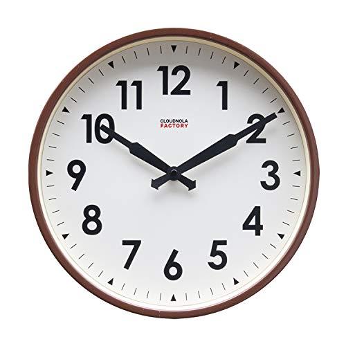 Cloudnola Factory klok – Stationsklok met cijfers – Moderne Designer wandklok – Koffie Bruin, 30 cm diameter, tikt niet, werkt op batterijen