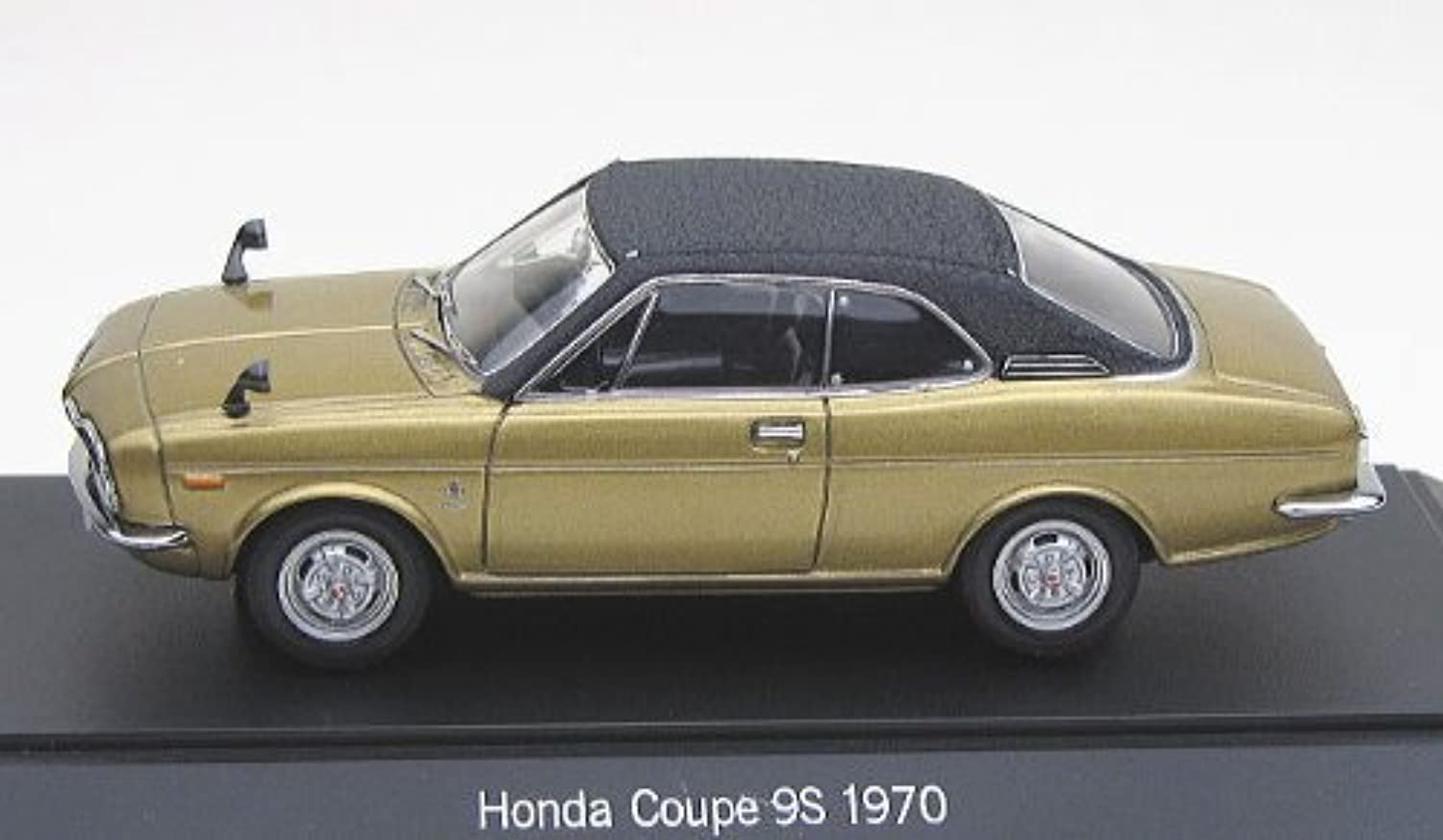 EBBRO 1 43 Honda 1300 Coupe Leather Top gold   Black (japan import)
