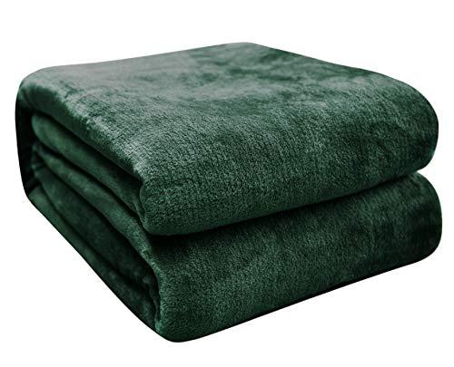 Kuscheldecke Sofa Decken, Einfarbige Fleece Decke als Sofaüberwurf, Weiche Fleecedecke als Couchdecke, Tagesdecke oder Wohnzimmerdecke, Dunkelgrün 210 X 240 cm