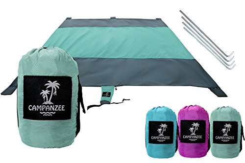 Zippered Valuable Pocket Ideal Ourdoor Gear for Travel Camping Grass Lightweight and Compact Ground Stakes LEWONDE XL Sand Proof Beach Blanket Large Picnic Mat with Built-in Portable Pouch