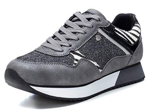 XTI - Zapatilla para Mujer - Cierre con Cordones - Color Plata - Talla 39