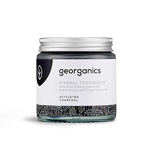 Georganics - Natürliche Zahnpasta mit Mineralien und Aufhellendem Effekt - Nicht-Schäumende Formel mit Nativem Bio-Kokosöl - Vegan, ohne SLS, Tierversuche und Fluorid - Ativkohle - 120ml