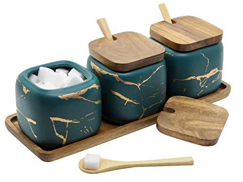 LaBrize Keramik Gewürzbehälter 3er Set Zucker- und Salzdosen-Set - In edler Marmor Optik - Eyecatcher Gewürzdose mit Echtholzdeckel und Bambus Servierlöffel, inkl. Echtholztablett (Smaragdgrün)