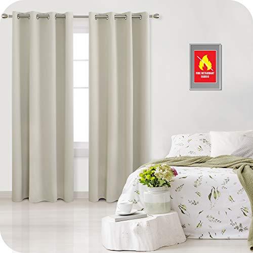 Amazon Brand – Umi Cortinas Opacas Ignífuga Retardante de Llama Salón Decoración para Habitación Dormitorio Moderno con Ojales 2 Piezas 140x240cm Beige