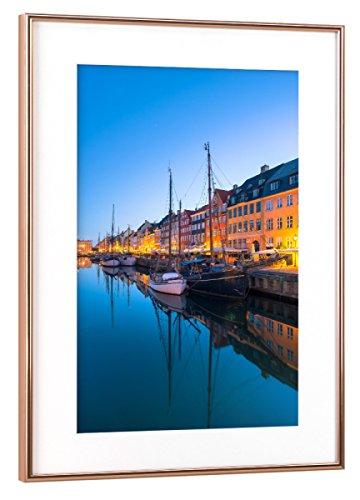 artboxONE Poster mit Rahmen Kupfer 60x40 cm Copenhagen Nyhavn von Tom Uhlenberg - gerahmtes Poster