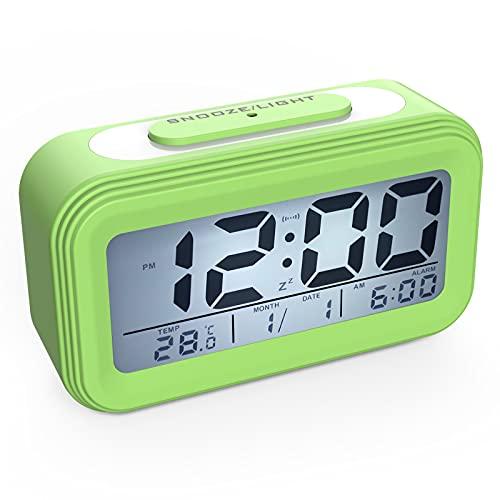 Coolzon Despertador Digital, Alarma Reloj Despertador Pilas para Infantil Niño Adulto, Despertador de Viaje Silencioso con Pantalla LED Calendario Temperatura Función Snooze Luz Nocturna, Verde