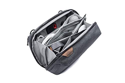 Peak Design Tech Pouch Charcoal Organizer-Tasche für Smartphones, Kabel etc. (Dunkelgrau)