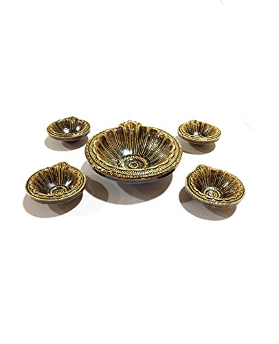 Storite Combo of 4 Small+1 Large Round Traditional Motif Diya/Deepak/ Oil Lamp for All Occasions(Decoration,Puja and Festivals) with One Pack of 100 Cotton Wicks