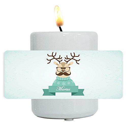 Teelichthalter mit Namen Marius und lustigem Motiv mit Rentier in Pullover, Brille und Schnurrbart