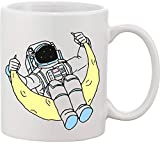 Cool Astronaut Swinging On The Moon There is No Boundaries for Humans Taza de cerámica bnft