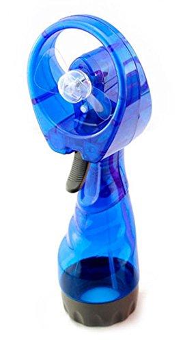 Handventilator met blauwe waterspuit.
