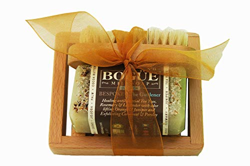 Bogue Milk Soap- Gardener Soap GiftSet-Detoxifying Juniper Berry & Cornmeal Exfoliate, Remove Smells. Antibacterial, Antiseptic Tea Tree, Healing Rosemary & Lavender Oil with nail scrubber & soap dish