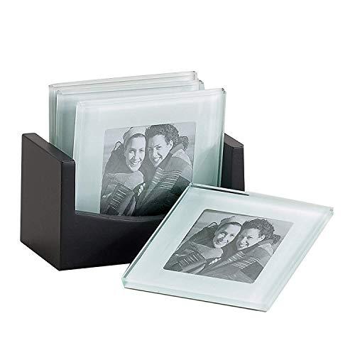 Foto-Untersetzer aus Glas [4er Set] - 5 x 7,5 cm Foto-Einschub, abgeschrägtes Glas Kaffee-Untersetzer mit Anti-Rutsch-Pads, Holzregal | Bar Tools