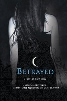Paperback Betrayed : A House of Night Novel Book