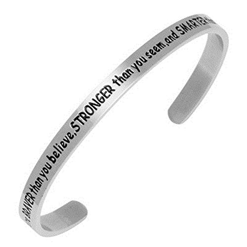 Damen Armband mit Gravur You Are Braver Than You Believe Stronger Than You Seem and Smarter Than You Think Inspiration Frauen Armreif Schmuck