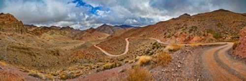The Poster Corp Panoramic Images – Road passing through landscape Titus Canyon Road Death Valley Death Valley National Park California USA Photo Print (45,72 x 15,24 cm)