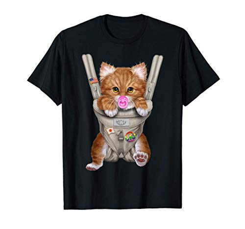 Gato naranja con chupete en portabebé Camiseta