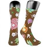 Leila Marcus calcetines para hombre y mujer son cómodos, ligeros y sudorosos, divertidos conejitos de cerezo y rábano Cge Medianos y Largos