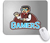 ECOMAOMI 可愛いマウスパッド 蝶ネクタイメガネとコンソールビデオゲームコントローラーを保持しているベストを持つオタク男 滑り止めゴムバッキングマウスパッドノートブックコンピュータマウスマット