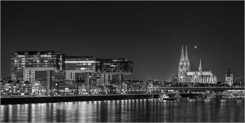 Posterlounge Acrylglasbild 100 x 50 cm: Köln Skyline am Abend schwarz/weiß von rclassen - Wandbild, Acryl Glasbild, Druck auf Acryl Glas Bild