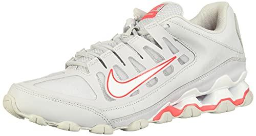 Nike Reax 8 TR Mesh, Scape per Sport Outdoor Uomo, Multicolore (Pure Platinum/White/Red Orbit 006), 44 EU