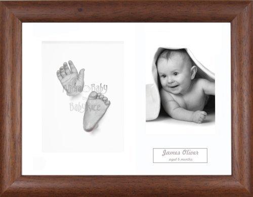 Anika-Baby Kit de moulage pour bébé Cadre 3 ouvertures Bois foncé Passe-partout blanc/fond blanc/peinture argenté 29,1 x 21,6 cm