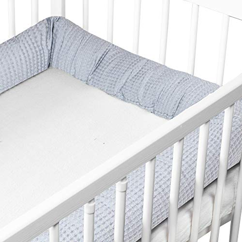 Bettschlange Baby 150 cm Bettumrandung - Nestchenschlange Bettrolle für Babybett Gitterbett Beistellbett Umrandung Silbernes Grau Waffelbaumwolle