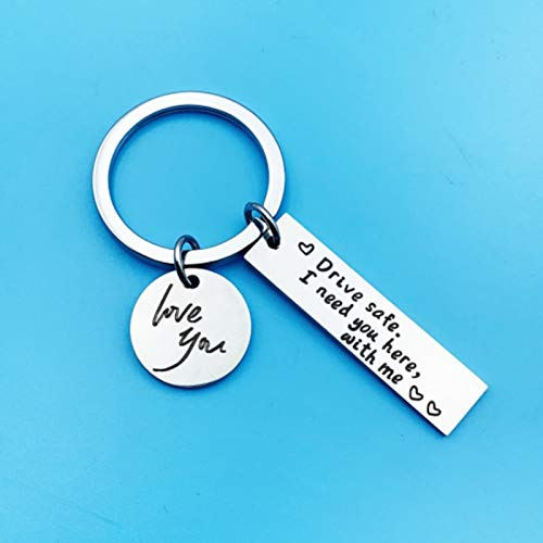 Llavero personalizado de acero inoxidable con texto en inglés 'I Need You Here With Me', llavero de coche para amantes de parejas, regalos (color: 10 x 40 mm)