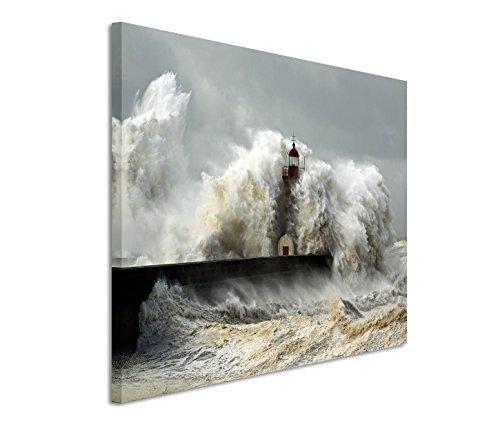 Bestforhome GmbH Modernes Bild 120x80cm Landschaftsfotografie – Leuchtturm im schweren Sturm. Wellen mit Schaumkrone.