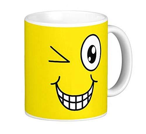 Tazas Caras Amarillas alegres. para un buen desayuno