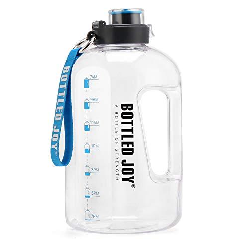 BOTTLED JOY - Botella de agua grande de 1,5 litros, sin BPA, antigoteo, botella deportiva con marca motivadora para fitness, oficina, viajes al aire libre, camping, escalada, color blanco