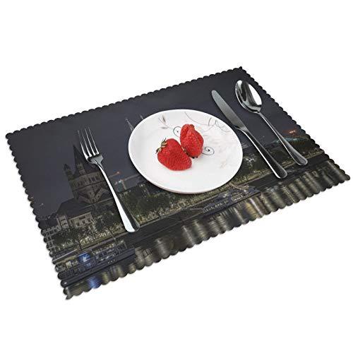 GHRSGBHST Durable Juego de 4 manteles individuales lavables de 30 x 45 cm, antideslizantes, resistentes al calor, para cocina, comedor, fiesta, decoración del hogar, Catedral de Colonia