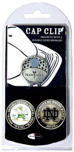 Team Golf NCAA Notre Dame Fighting Irish Golf Cap Clip mit 2 entfernbaren, doppelseitigen Emaille-Magnetballmarkern, lässt Sich leicht an Hüten befestigen