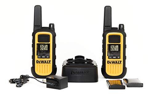 DeWalt DXPMR300 Walkie Talkie profesional de alta resistencia - PMR Radio con un alcance de hasta 10 pisos/8km, libre de licencia - Negro y Amarillo