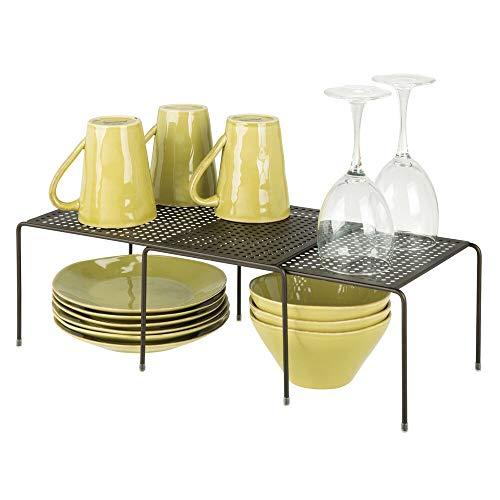 mDesign Estantería de cocina para armarios de cocina – Práctica estantería metálica para crear más espacio de almacenaje para la vajilla – Baldas de cocina extensibles – color bronce