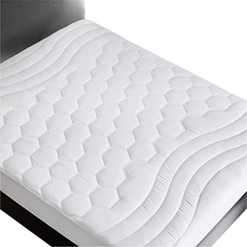 Bedsure Mattress Pad King Size78x80 inches- Breathable - Ultra Soft Quilted Mattress Pad Protector Deep Pocket(up to 18'' deep), Fitted Sheet Mattress Cover-White