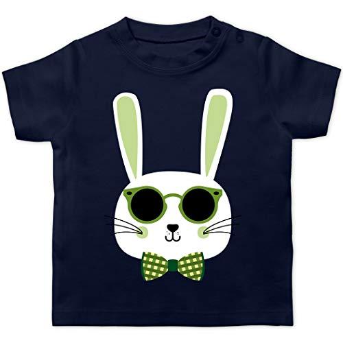 Ostern Baby - Osterhase Sonnenbrille Grün - 3/6 Monate - Navy Blau - Sonnenbrille Baby - BZ02 - Baby T-Shirt Kurzarm