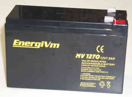 cargador bateria 12v 7ah np7 Marca EnergiVm